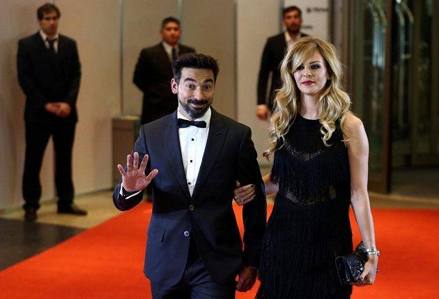 Na svatbu fotbalové hvězdy Lea Messiho přišel i jeho krajan Ezequiel Lavezzi s partnerkou.