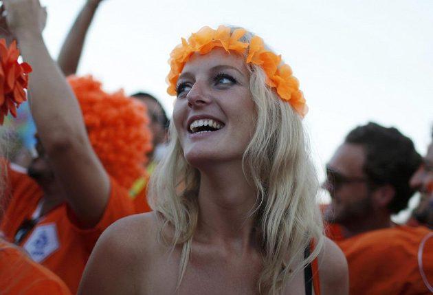 Nizozemské fanynky byly spokojené, fotbalisté Oranjes ve svém úvodním vystoupení na MS v Brazílii porazili Španělsko.