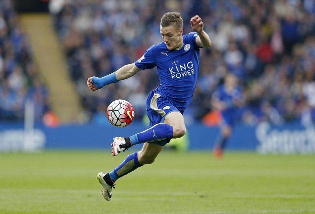 Hrdina zápasu Jamie Vardy se dvěma góly postaral o vítězství Leicesteru nad Sunderlandem.