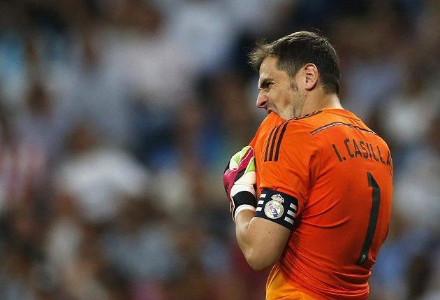 Zklamaný kapitán Bílého baletu Iker Casillas.
