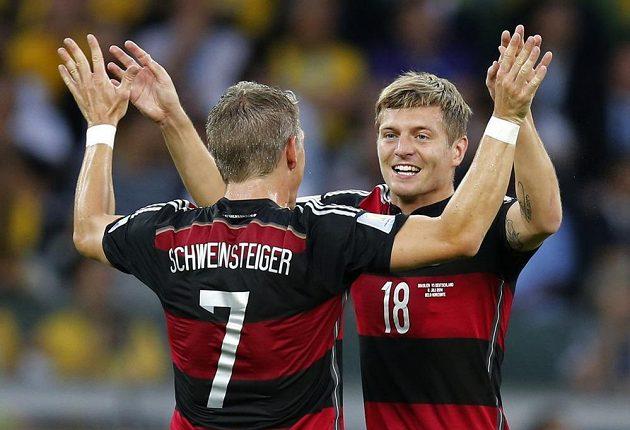 Dvěma góly zatížil konto Brazilců v první půli Toni Kroos (vpravo).