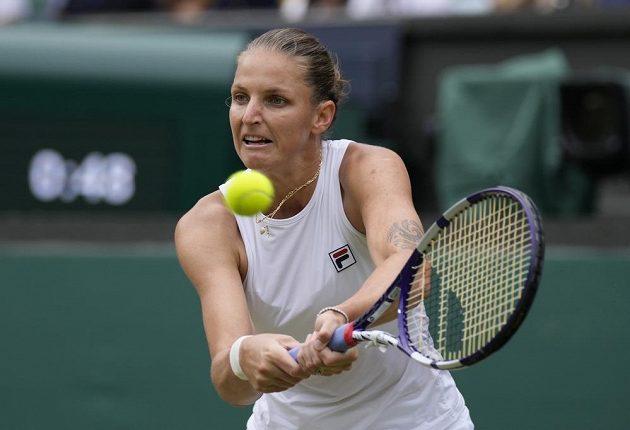 Karolína Plíšková v semifinále Wimbledonu proti Aryně Sabalenkové z Běloruska.