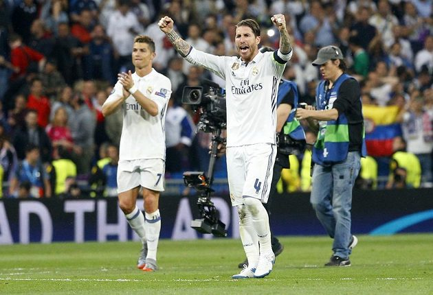 Radost v podání Bílého baletu. Real Madrid vyhrál díky hattricku Cristiana Ronalda úvodní semifinále Ligy mistrů nad Atlétikem 3:0.