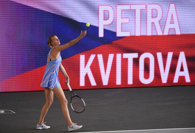Petra Kvitová v semifinále exhibičního turnaje v Berlíně - Tempelhofu.
