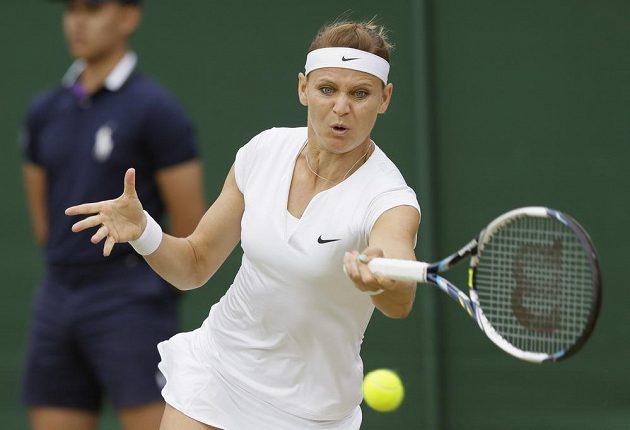 Česká tenistka Lucie Šafářová v zápase proti Američance Coco Vandewegheové.