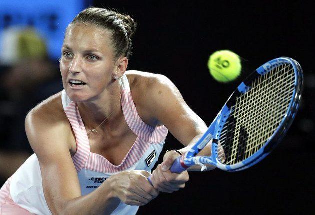 Karolína Plíšková během semifinálové bitvy na Australian Open.
