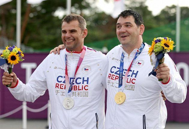 Čeští medailisté David Kostelecký (vlevo) a Jiří Lipták