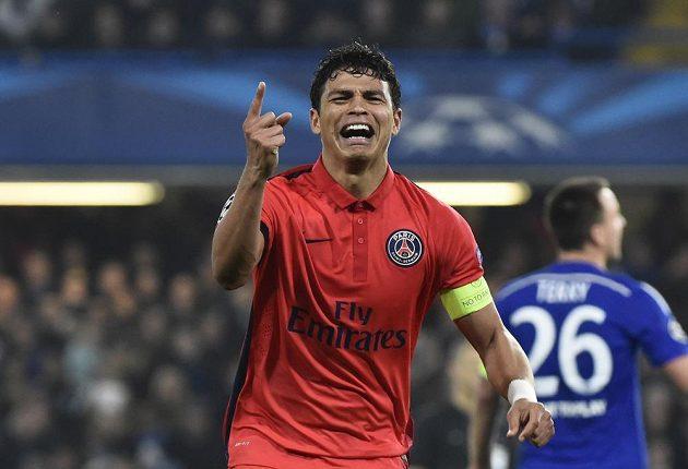 Thiago Silva, autor postupové trefy Paris St. Germain v duelu s Chelsea.