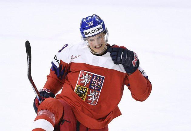 Český útočník Dominik Kubalík po vyrovnávacím gólu proti Švýcarsku.