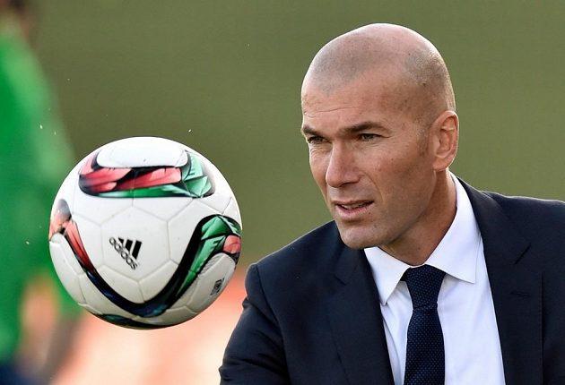 Slavný Francouz Zinédine Zidane je novým koučem fotbalistů Realu Madrid.