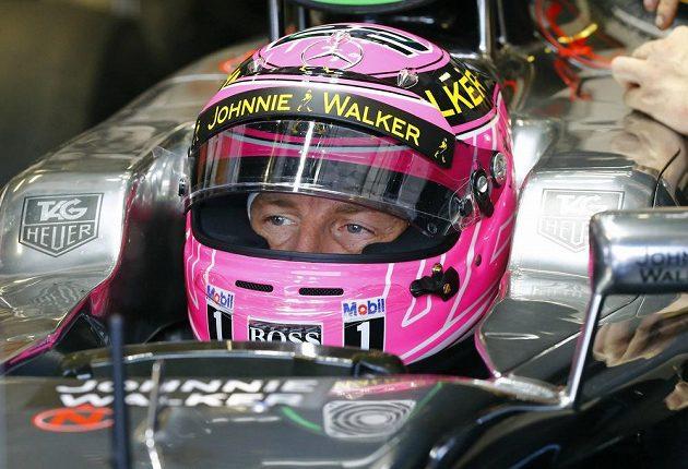 Brit Jenson Button za volantem svého mclarenu.