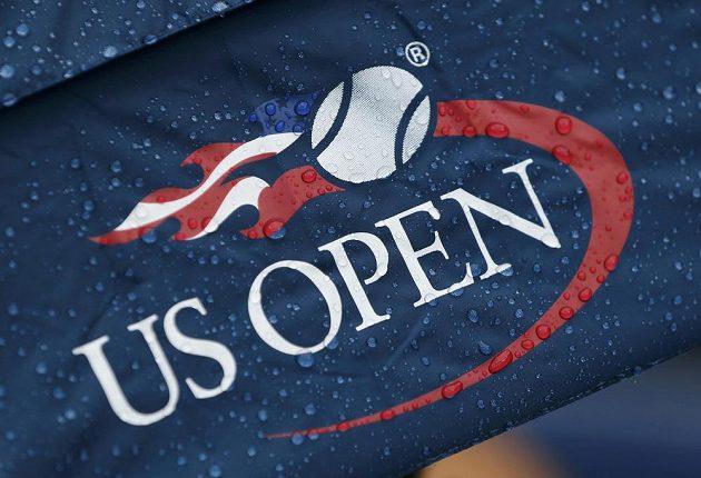Kapky deště komplikovaly mužské finále US Open.