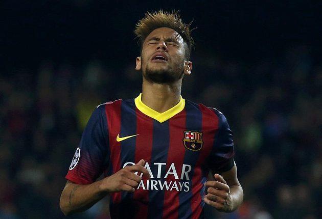 Zklamaný Brazilec Neymar po neproměněné šanci proti Manchesteru City.