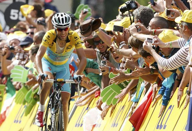 Ital Vincenzo Nibali navýšil svůj náskok v čele Tour de France před Španělem Valverdem na 4 minuty a 37 sekund.