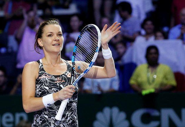 Polská tenistka Agnieszka Radwaňská slaví postup do semifinále Turnaje mistryň.