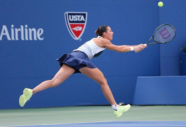 Italská tenistka Flavia Pennettaová v duelu proti Petře Kvitové.