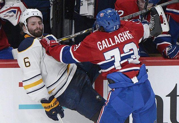 Gallagher dal Weberevi ze Sabers pocítit svou tvrdost.