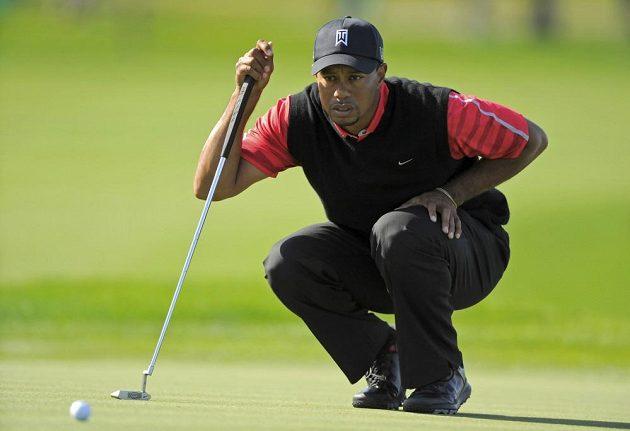 Pečlivá příprava Tigera Woodse před puttem