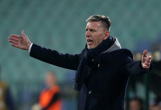Trenér Jaroslav Šilhavý během utkání v Bulharsku.