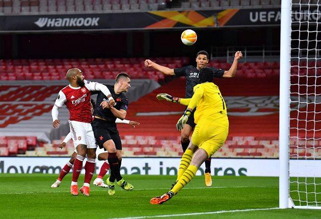 Ondřej Kolář se v zápase proti Arsenalu rozhodně nenudil