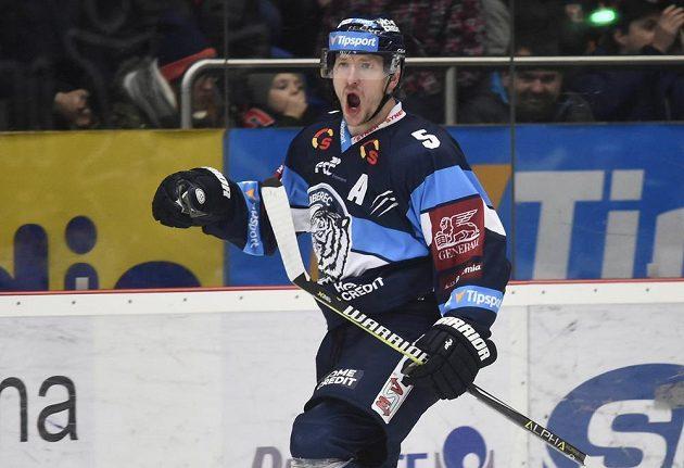 Ladislav Šmíd z Liberce oslavuje svou trefu proti Hradci Králové.