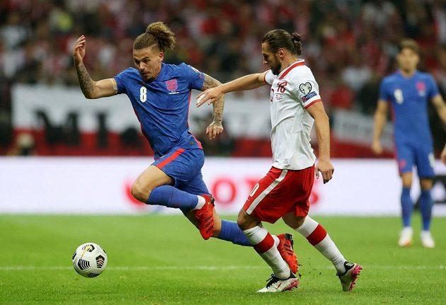 Anglický fotbalový reprezentant Kalvin Phillips v akci během utkání s Polskem.