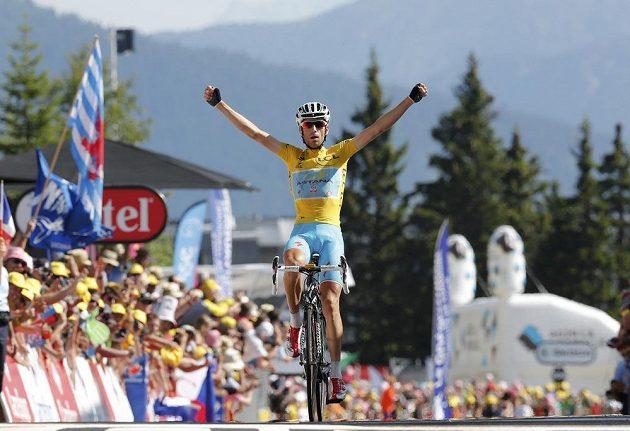 Třetí etapový triumf Itala Vincenza Nibaliho v tomto ročníku Tour.