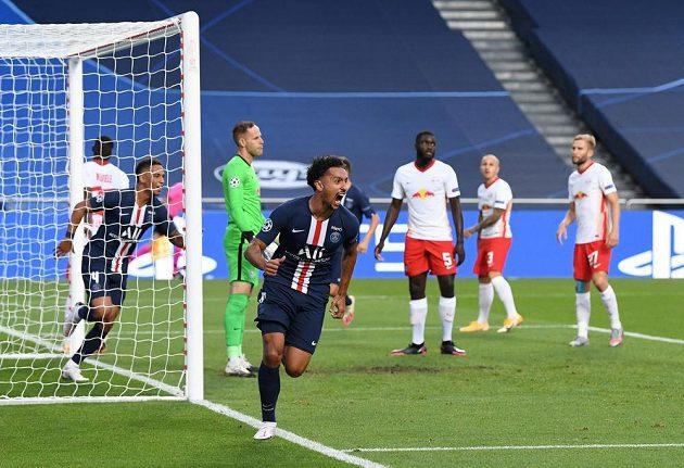 Marquinhos z PSG těsně poté, co dal gól Lipsku v semifinále LM.