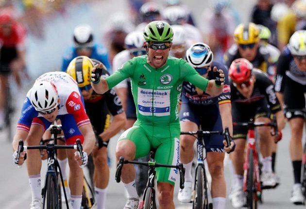 """Britský cyklista Mark Cavendish vyhrál na Tour de France druhou spurtérskou etapu za sebou a má na """"Staré dámě"""" na kontě už 32 vítězství."""