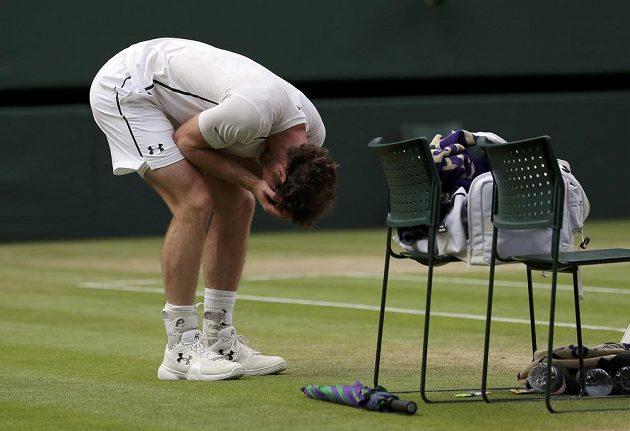 Dojatý Andy Murray vítězství ve Wimbledonu oplakal.