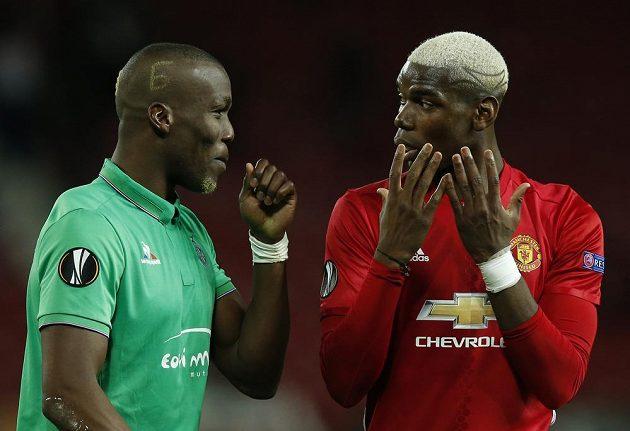 Bratři, ale i soupeři. Paul Pogba z Manchesteru United mluvil během utkání proti St. Etienne v Evropské lize často se svým sourozencem Florentinem.