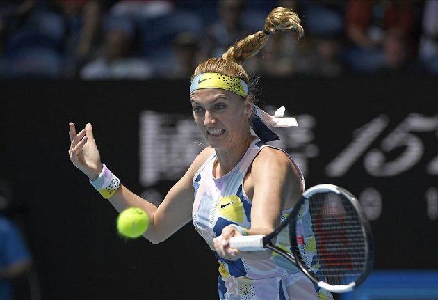 Petra Kvitová při duelu s Australankou Ashleigh Bartyovou.