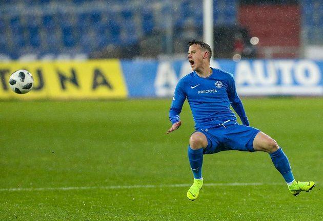 Jan Sýkora z Liberce v akci během utkání 3. kola nadstavby první fotbalové ligy v Ostravě.