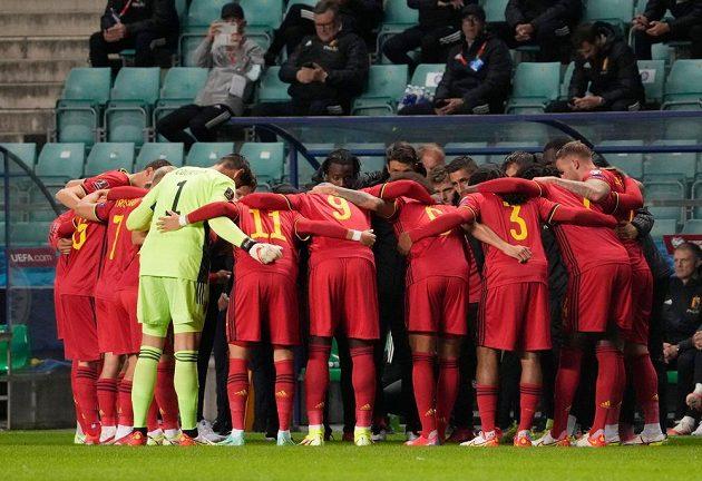 Předzápasový rituál, fotbalisté Belgie jdou do kvalifikačního boje o MS 2022.