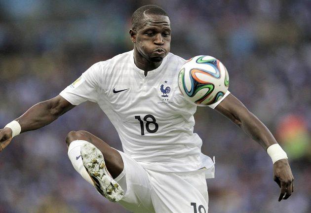 Francouz Moussa Sissoko na MS v utkání s Ekvádorem.