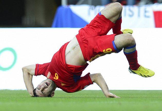 Arménský záložník Karlen Mkrtčjan slaví na hřišti v Edenu gól proti Česku.