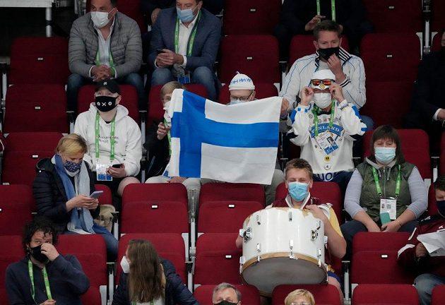 Finští fanoušci v hledišti Areny Riga.