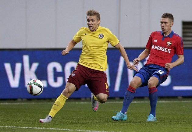 Sparťan Martin Frýdek a Kirill Nababkin (vpravo) z CSKA Moskva.