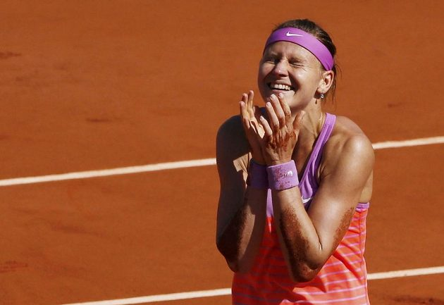 Jako kdyby tomu ještě sama nevěřila - Lucie Šafářová si zahraje finále French Open.