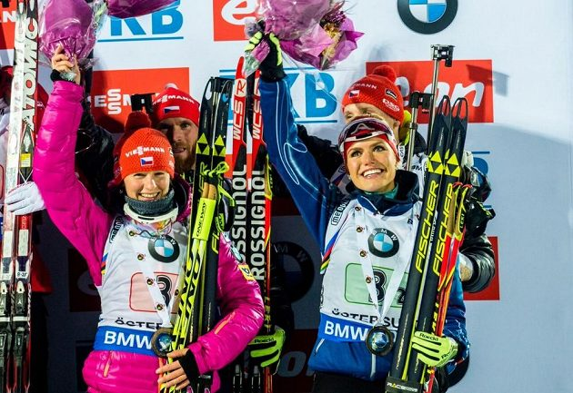 Štafeta českých biatlonistů ve složení Veronika Vítková, Gabriela Soukalová, Michal Šlesingr a Ondřej Moravec skončila na Světovém poháru v Östersundu třetí.