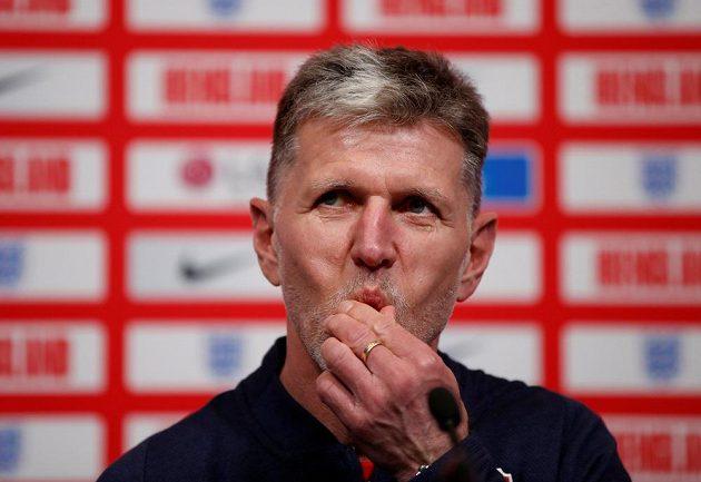 Jaroslav Šilhavý, trenér české fotbalové reprezentace, před utkáním v Anglii.