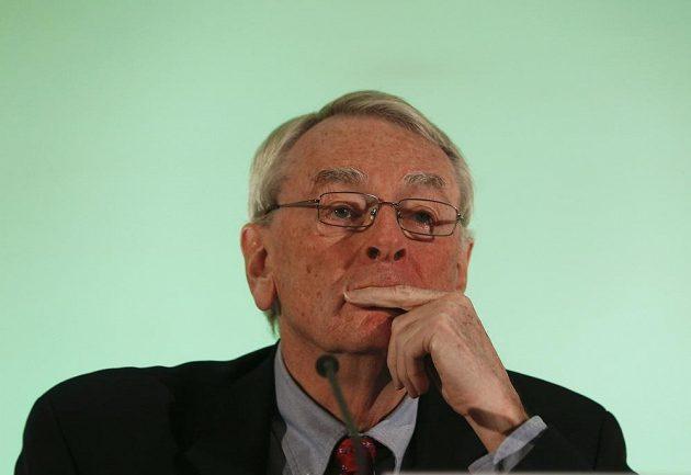 Předseda komise WADA Dick Pound.