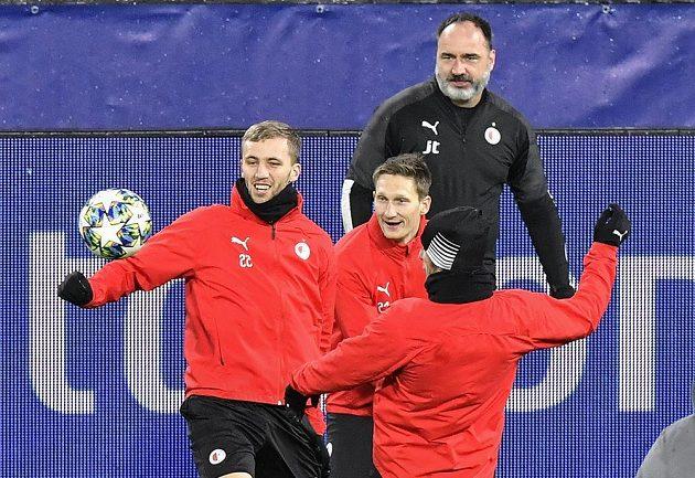 Fotbalisté Slavie byli na tréninku před úterním zápasem Ligy mistrů v Dortmundu v dobré náladě.