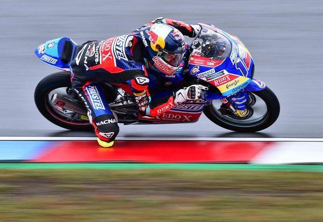 Český motocyklista ve třídě Moto3 Filip Salač při sobotním tréninku na VC České republiky.