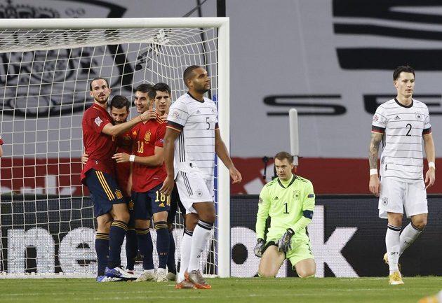 Fotbalisté Španělska svého soupeře naprosto deklasovali