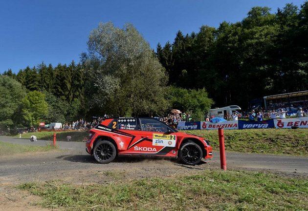 Jan Kopecký se Škodou Fabia R5 na trati Barum Rallye.