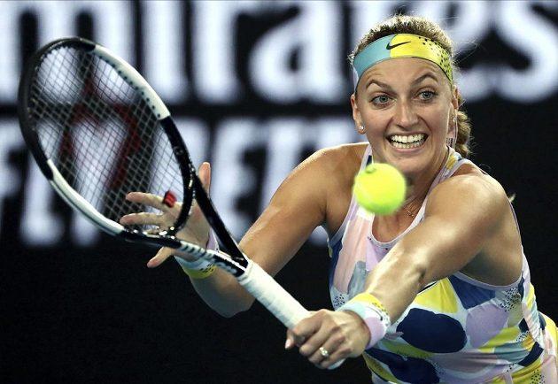 Bekhend Petry Kvitové v souboji s krajankou na Australian Open.