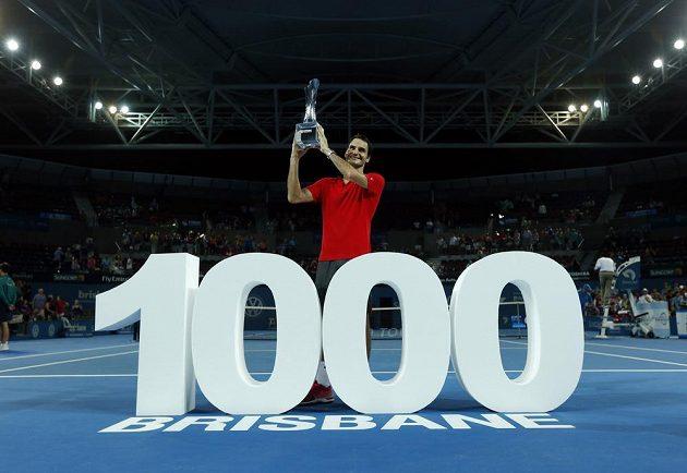 Federer slaví triumf v Brisbane.
