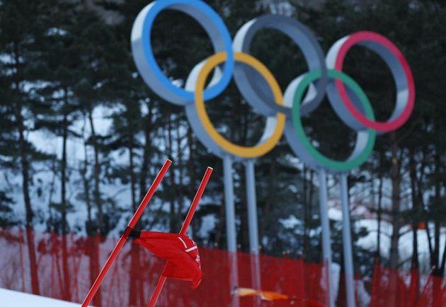V hlavní roli je na olympiádě často počasí. Kvůli silnému větru byl odložen závod obřího slalomu žen, stejně jako byl posunut začátek finále slopestylu snowboardistek.