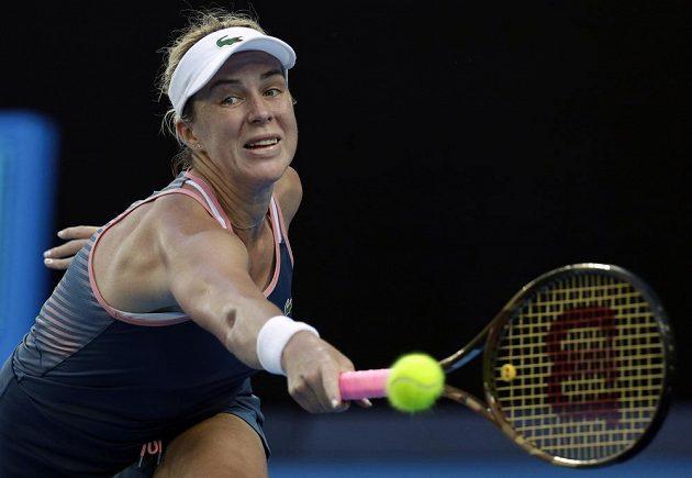 Ruská tenistka Anastasia Pavljučenkovová nestačila ve čtvrtfinále na americkou senzaci Australian Open Danielle Collinsovou z USA.